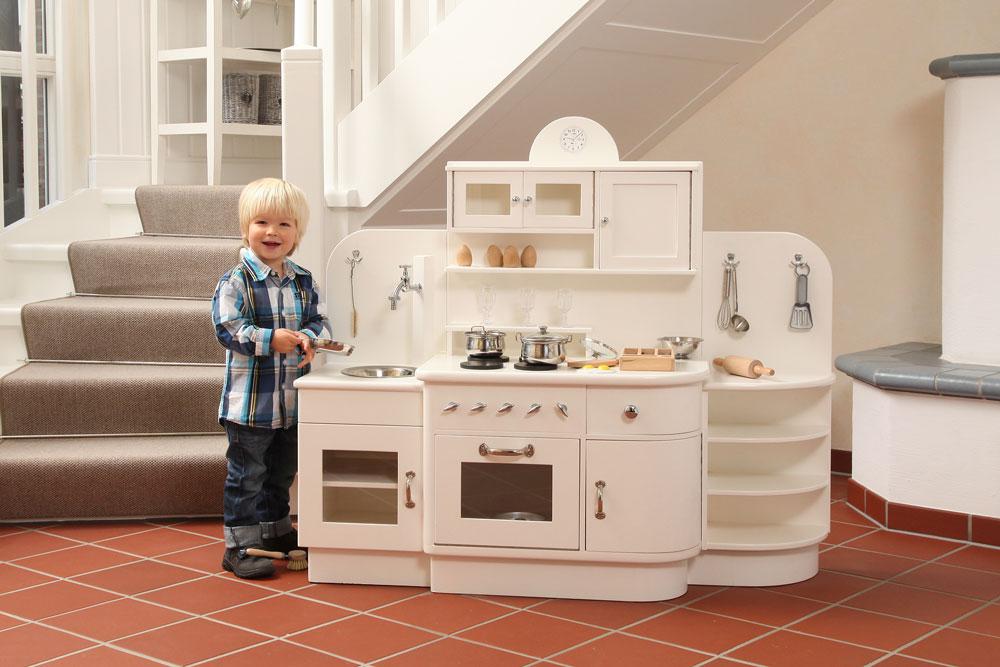 Tischlerei Adrian - Die Spielküche aus Holz für Kinder